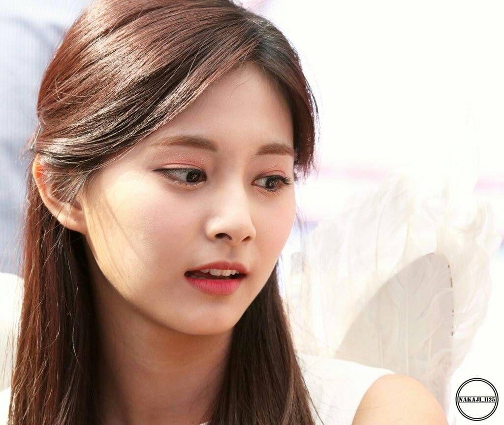 Pin By Emily Smith On Twice Tzuyu Twice Kpop Idol Kpop