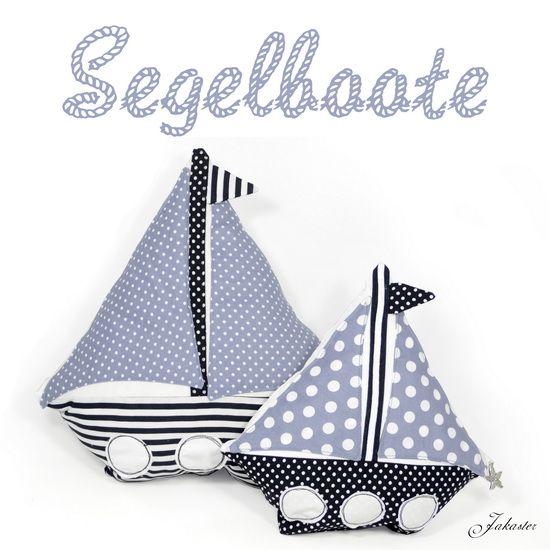 segelboote z t aus altem kopfkissen sailing boats partly made from old pillowcase upcycling. Black Bedroom Furniture Sets. Home Design Ideas