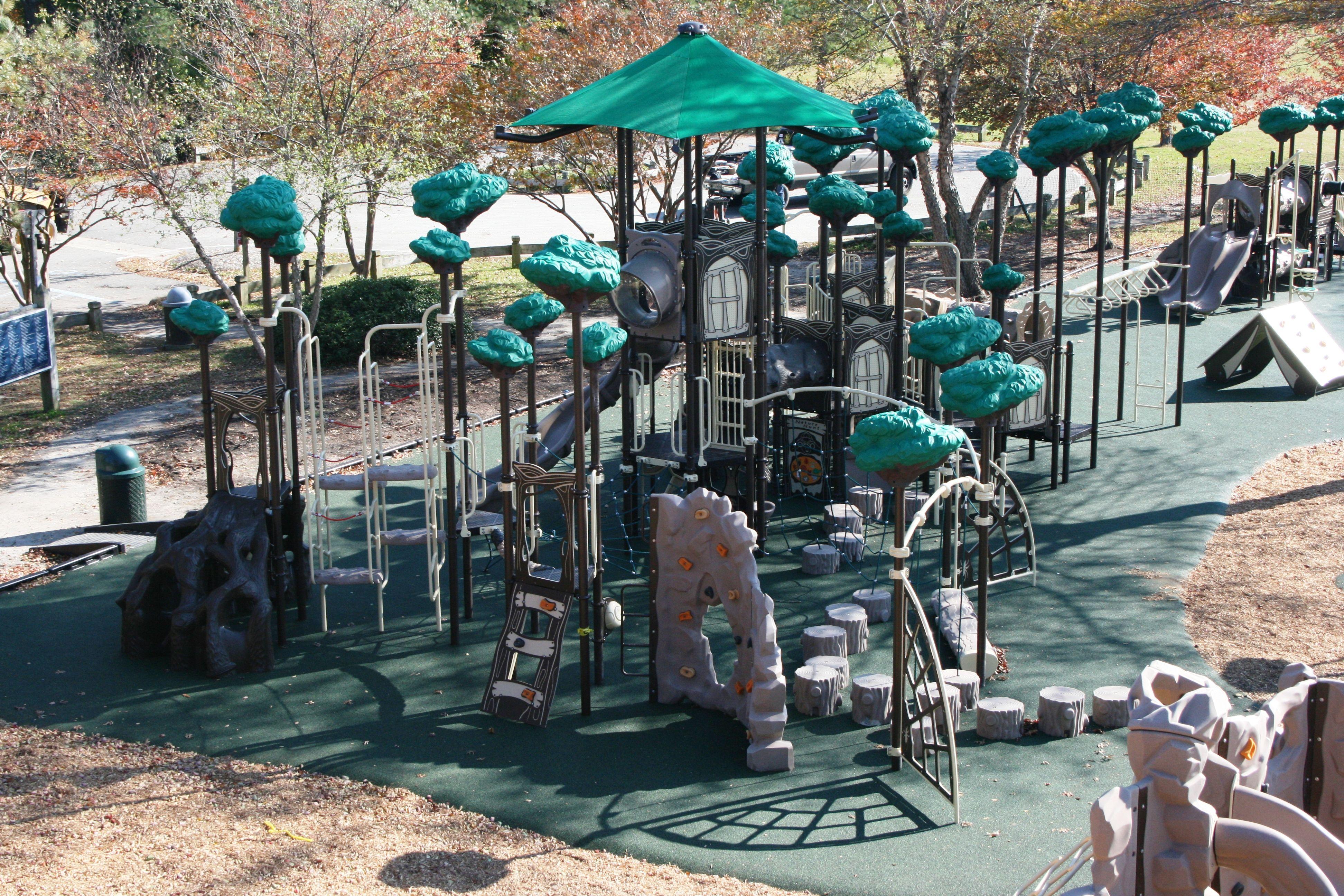 fort fun playground at huntington park in newport news va. Black Bedroom Furniture Sets. Home Design Ideas