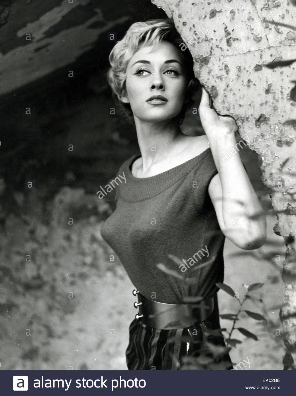 Carole Lesley