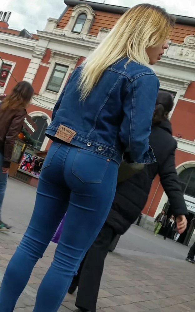 In jeans skinny teen doing