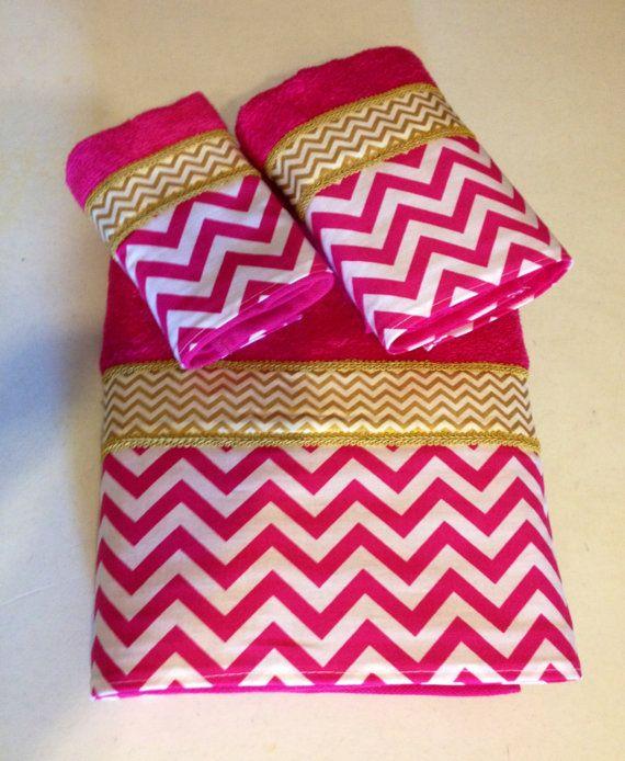 Fuschia Pink White And Gold Chevron Bath Towel Set Ready To Ship Toalhas De Mao Toalhas Bordadas Toalhas Decorativas