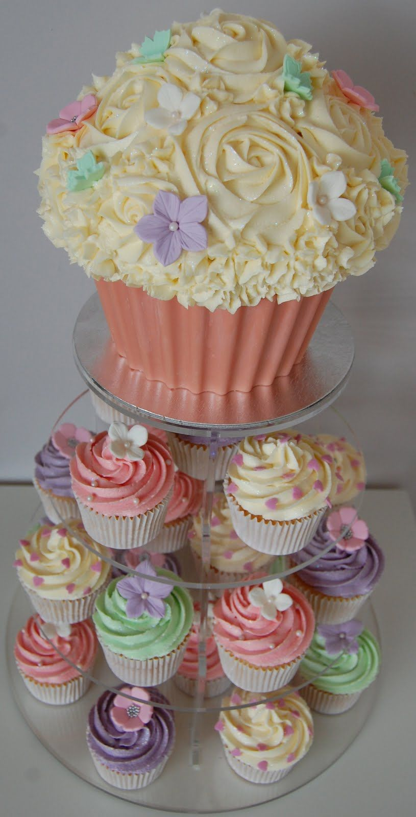 Giant Cupcake Cakes Designs | Little Paper Cakes