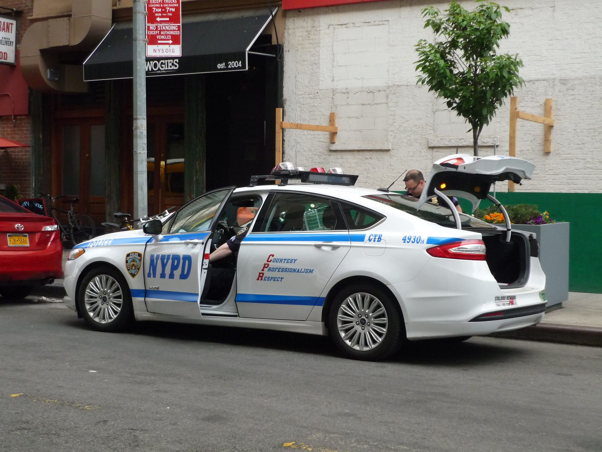 nypd ford fusion ford police cars and cars. Black Bedroom Furniture Sets. Home Design Ideas