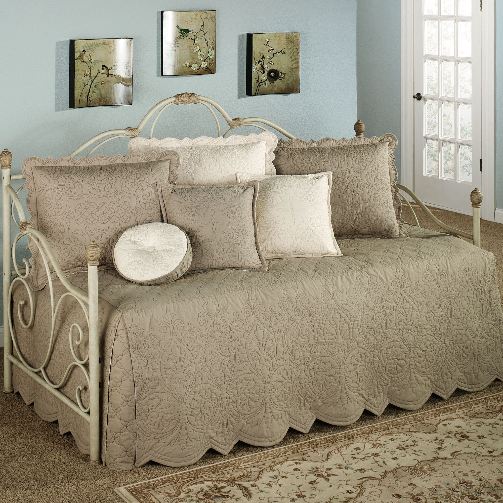 Beautiful Bedroom Pillow Sets With Elegant Pillows And