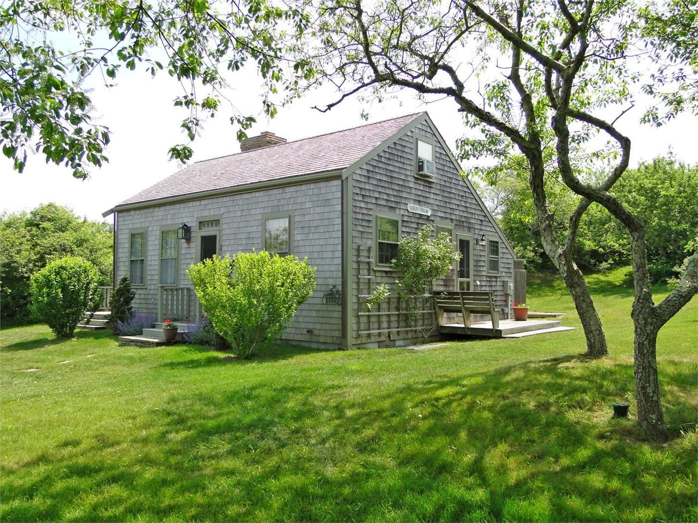 Cozy saltbox cottage