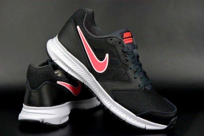 Buty Sa Idealne Do Sportu Jak I Na Co Dzien Posiadaja Odpowiednio Wyprofilowana Wkladke Doskonale Dopasowujaca Sie Do Stopy Wzmo Sneakers Nike Nike Nike Free