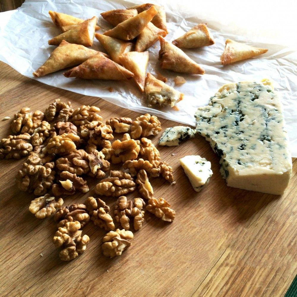 Gourmet Blue Cheese & Walnuts Sambousak 300g - Lebanese