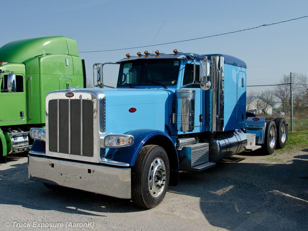 Light Blue Navy Blue Or Dark Blue Peterbilt Paint Colors No Matter 379 Or 389 Peterbilt Paint Schemes Trucks