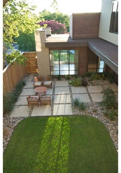 Moderne hus med alle tiders udendørsareal, hvor havefliserne er centrale ift design og brugbarhed..