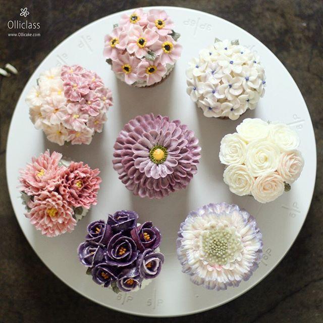 """Cottage garden"" Done by student  #buttercreamflowercake #flowercupcake #koreanstylecake #ollicake #olliclass #olligram #blossom #bouquet #wreath #weddingcake #partycake #cottagegarden #버터크림플라워케이크 #올리케이크 #올리클래스 #케익스타그램 #꽃스타그램 #코티지가든 #동편마을 #since2008  www.ollicake.com ollicake@naver.com"