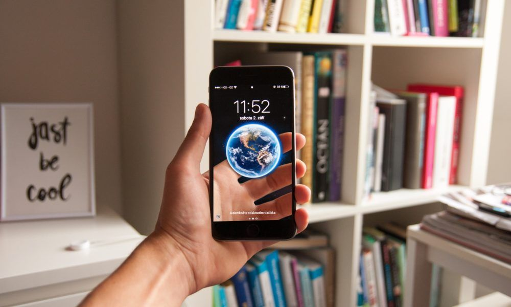 6 Augmented Reality Examples in 2019 in 2020 | Augmented reality, Lga, Smartphone