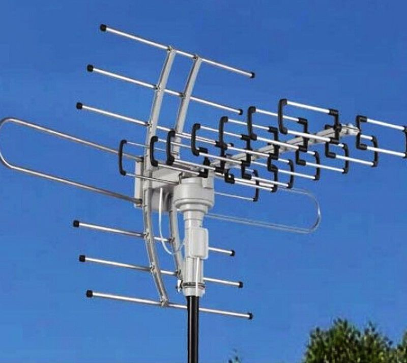 150miles Outdoor Tv Antenna 360 Motorized Amplified Hdtv High Gain 36db Uhf Vhf Pick Up Tv Signals Much Better Outdoor Tv Antenna Tv Antenna Diy Tv Antenna