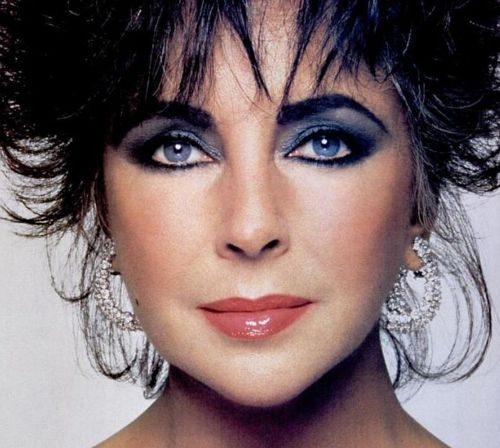 The Original Smokey Eye And The Only Woman Imo Who Pulled Off Dark Hair And Light Skin Elizabeth Taylor Eyes Elizabeth Taylor Elizabeth Taylor Movies
