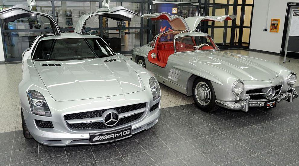 1954 Mercedes 300sl Coupe Vs Sls Amg Mercedes Benz Cars Amg