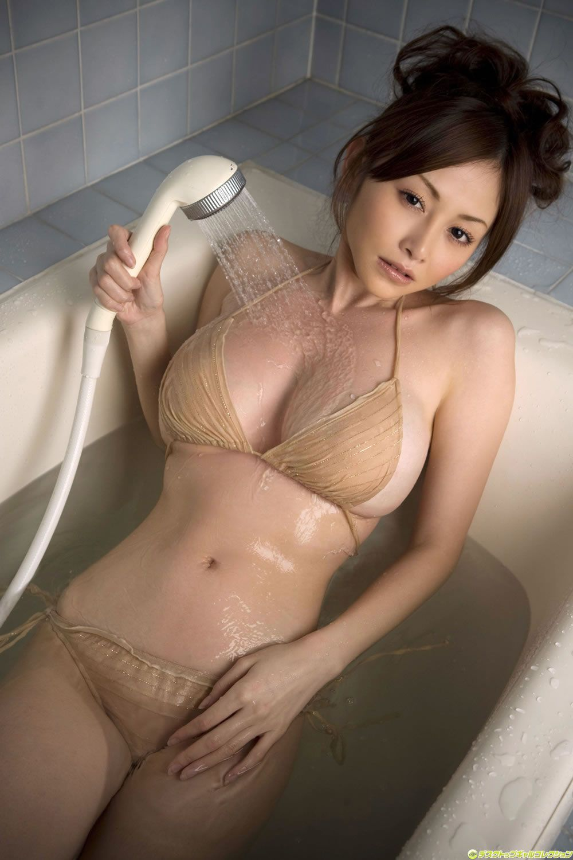 image Japanese girls room to peep her underarm hair treatment