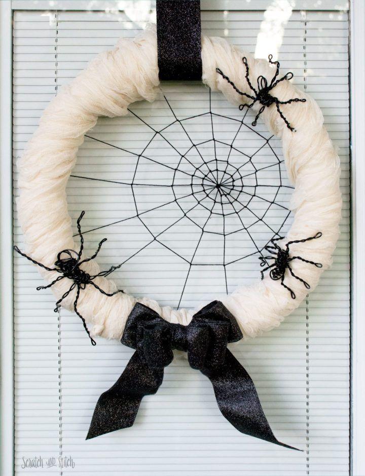 30+ Creative, Crazy and Creepy Outdoor Halloween Decor Ideas - outdoor halloween decoration ideas diy