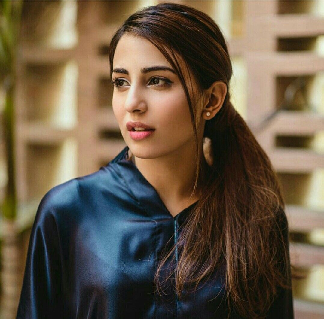 Ushna Shah sexy actress Height, Weight, Age, Body Measurement, Wedding, Bra Size, Husband, DOB, instagram, facebook, twitter, wiki