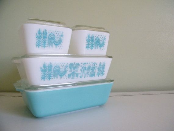 4 Vintage Pyrex Butterprint Amish Aqua Blue Turquoise on White Refrigerator Dishes with Glass Lids