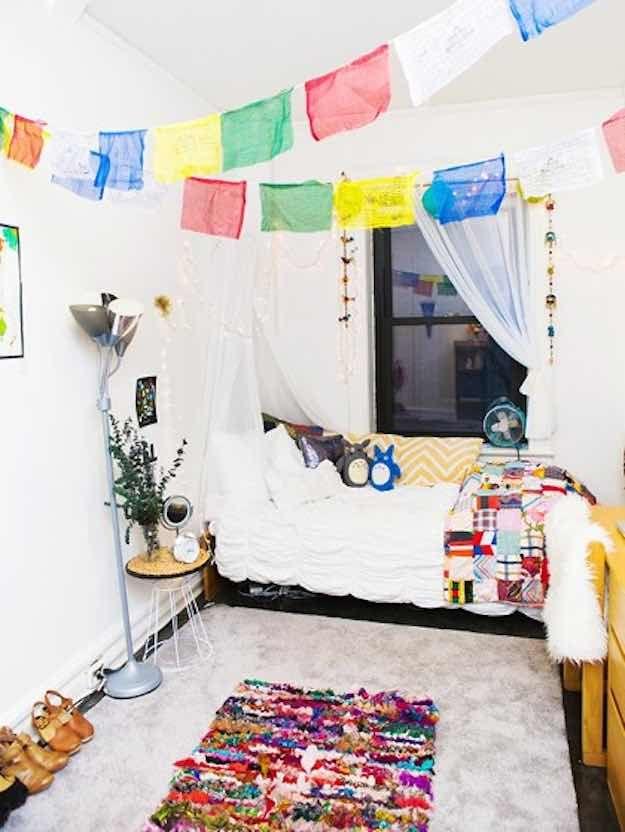 My Life My Room 2014 11 Dorm Room Tour 01