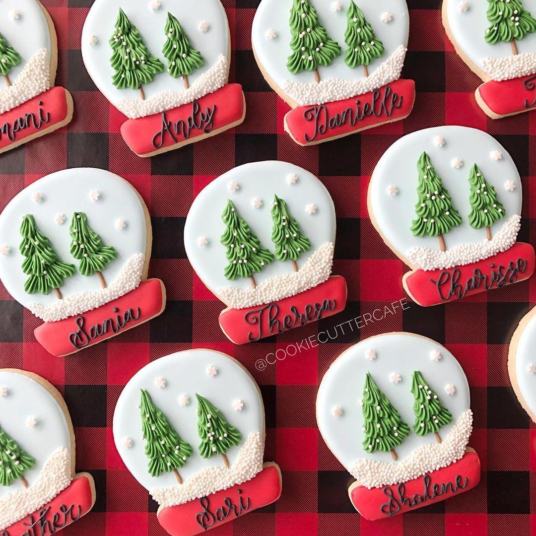 "Thelma on Instagram: ""Personalized snow globes! • • • #cookiecuttercafe #sugarcookies #royalicing #royalicingcookies #edibleart #decoratedsugarcookies…"""