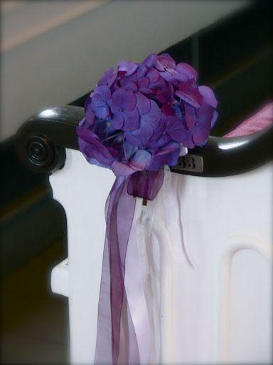 Simple hydrangea pew clips.