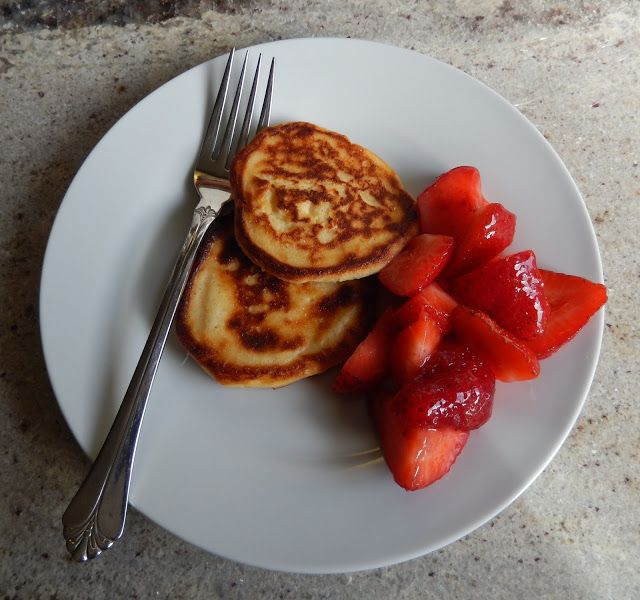 Eggface Healthy Breakfast Recipes: Strawberry Cheesecake Ricotta Pancakes - Sugar Free, Low Carb, Weight Loss Surgery Friendly Recipes