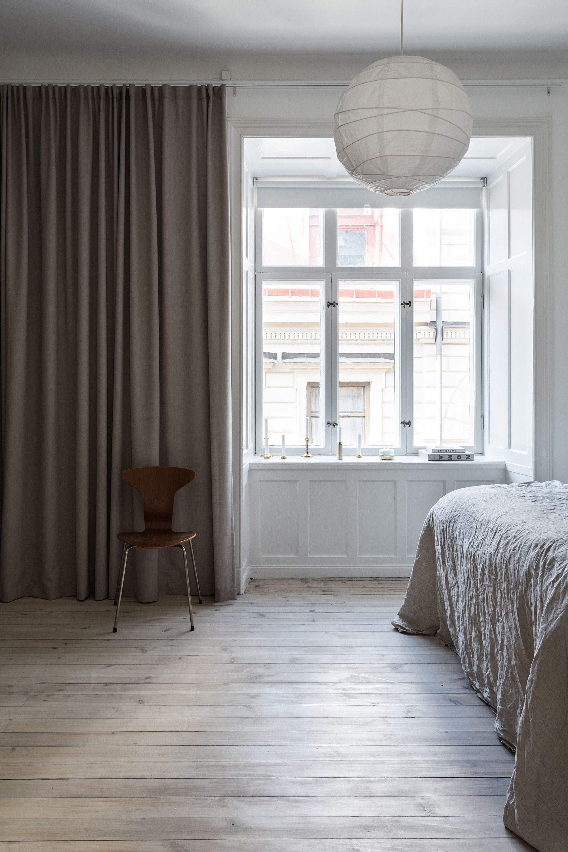 Those window sills via coco lapine design bedroom for Interior window sill designs