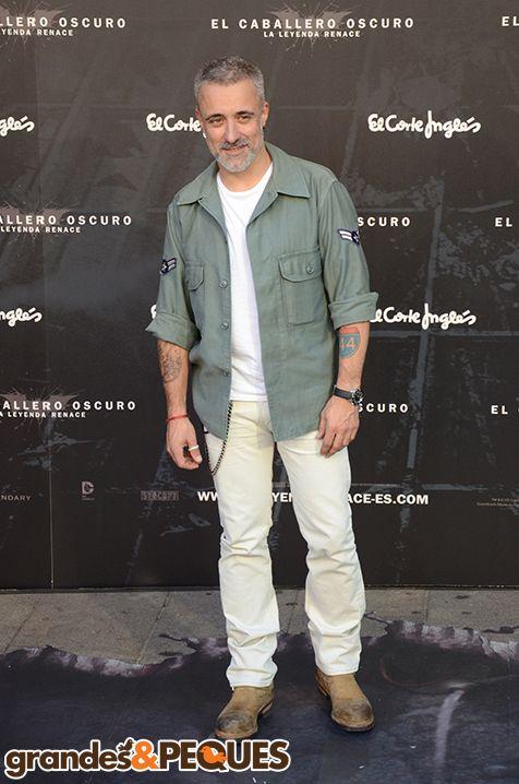 Sergi Arola.  Premiere de El Caballero Oscuro: La Leyenda Renace.  http://grandesypeques.com/index.php/actualidad-y-noticias/222-premiere-de-el-caballero-oscuro-en-conexion-con-londres