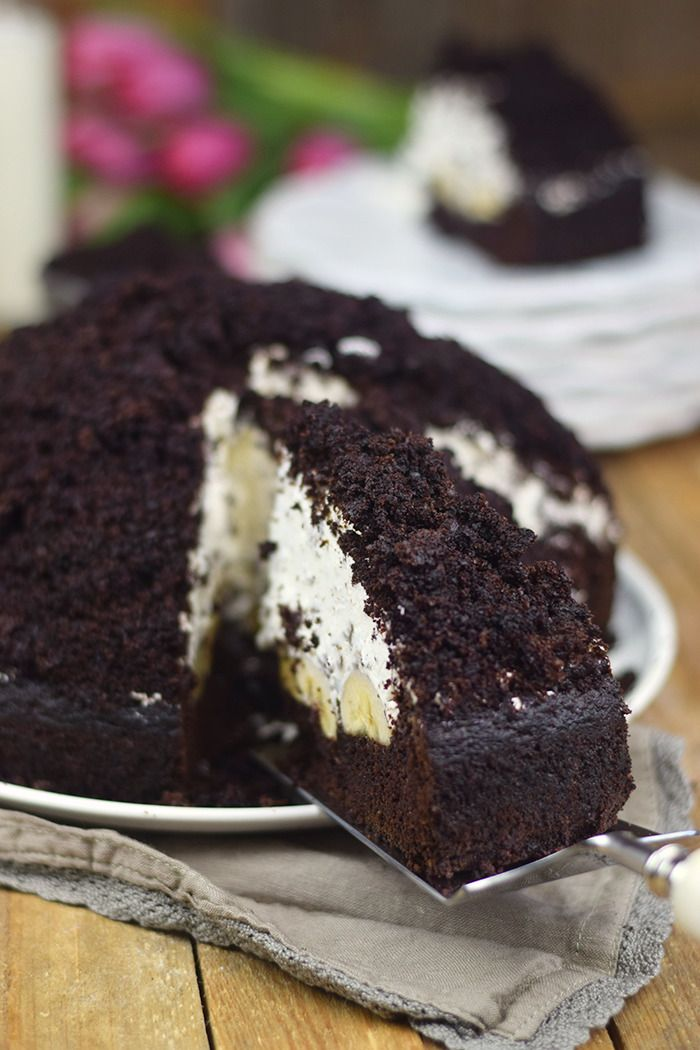 maulwurfkuchen schokoladenkuchen mit bananen und sahne creme mole cake chocolate banana. Black Bedroom Furniture Sets. Home Design Ideas
