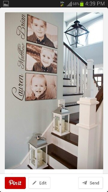 Writing with a gallery wall Love this combo! Wall arrangement in