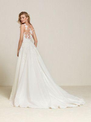Drum Wedding Dress Large Detachable Overskirt Pronovias Pronovias Stili Di Abiti Da Sposa Laccio Abito Da Sposa Abiti Da Sposa