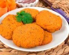Croquettes de carottes : http://www.cuisineaz.com/recettes/croquettes-de-carottes-41064.aspx