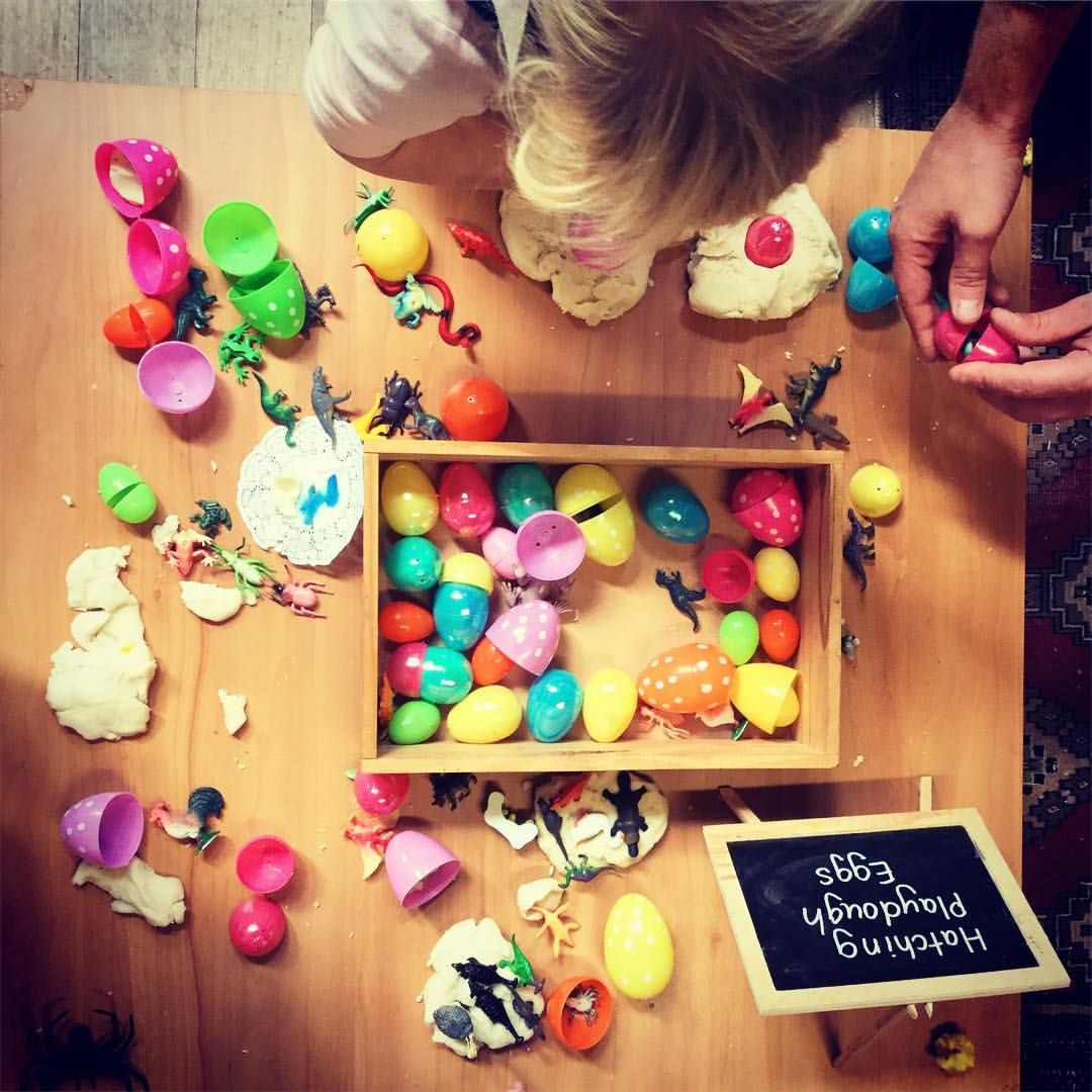 Easter Play Dough Plastic Eggs With Tiny Animals That