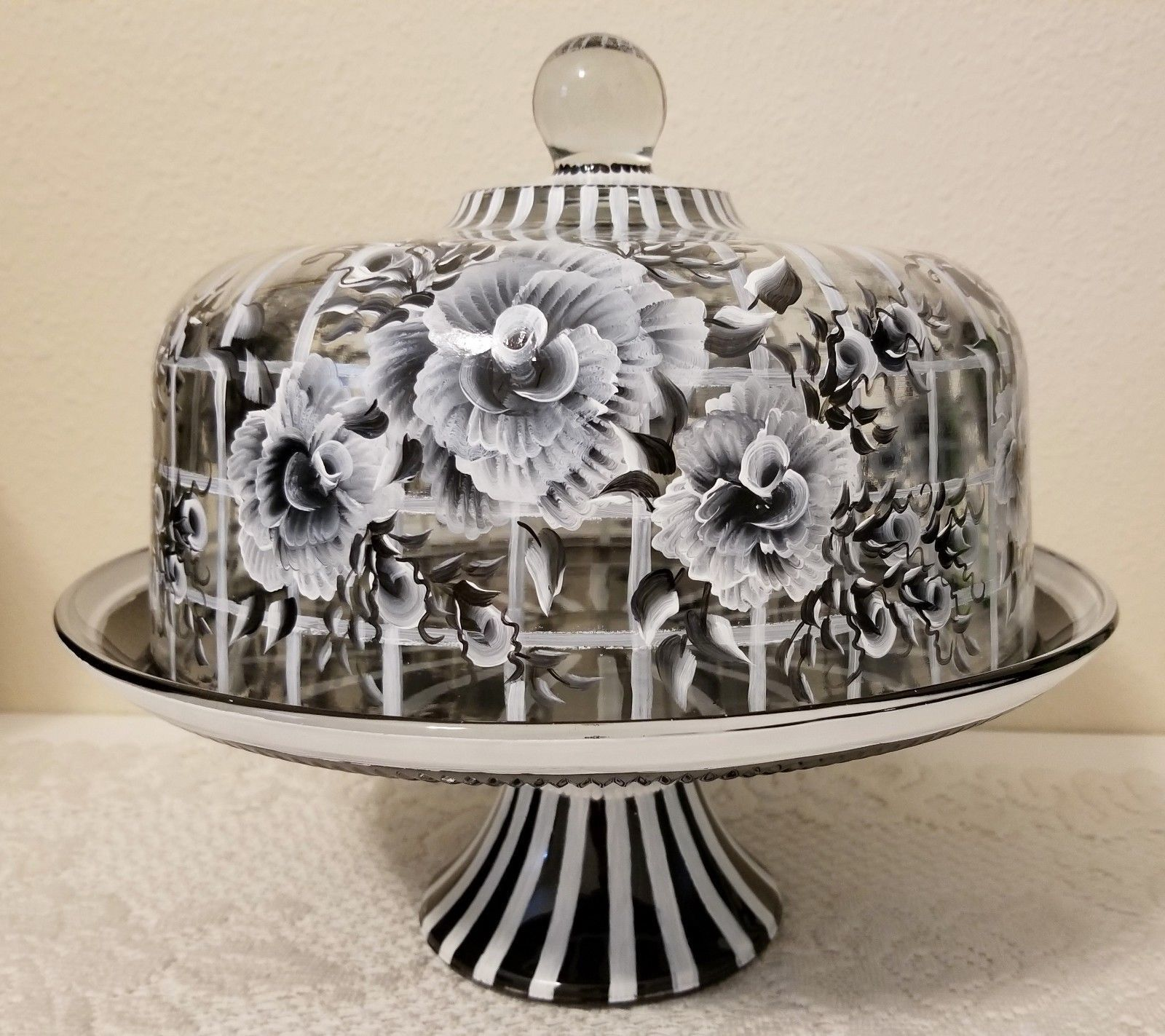 Black and white flower glass cake stand dome cake
