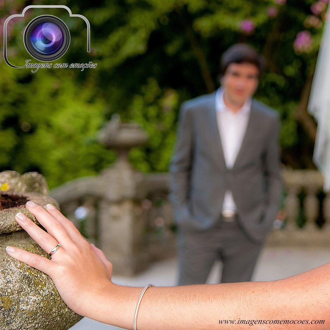 #24/365 Casamento A habitual sessão fotográfica com os noivos… Pedidos e informações: info@imagenscomemocoes.com | 914624470 www.im...