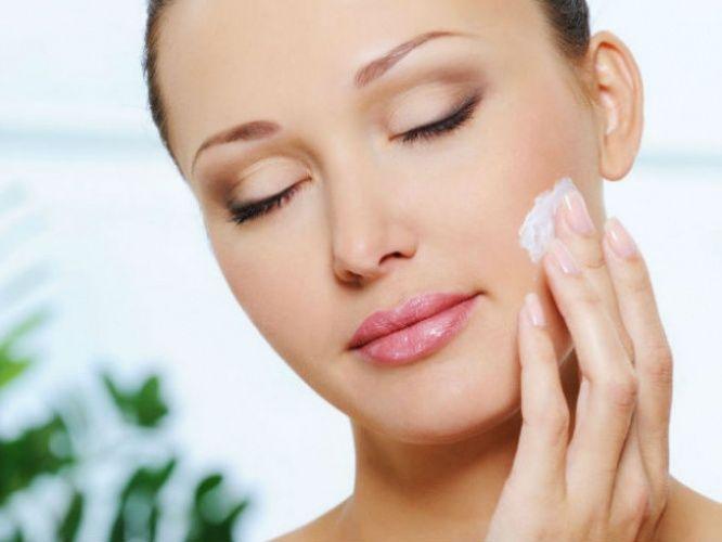 No olvides cuidar tu piel, la Limpieza Facial ayuda a eliminar impurezas y toxinas haciendo ver su rostro limpio y con una apariencia radiante.