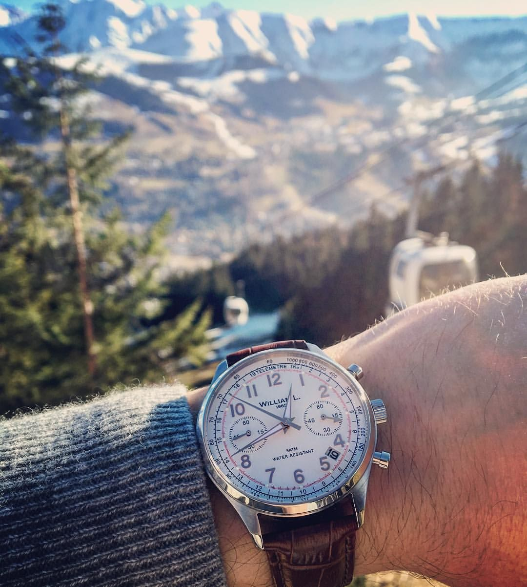 WILLIAM L. 1985 sur Instagram: Not a lot of snow in Megève today but a #WilliamL1985 #Vintage Style #Chronograph on the wrist  #watches #instadaily #watchanish #hodinkee