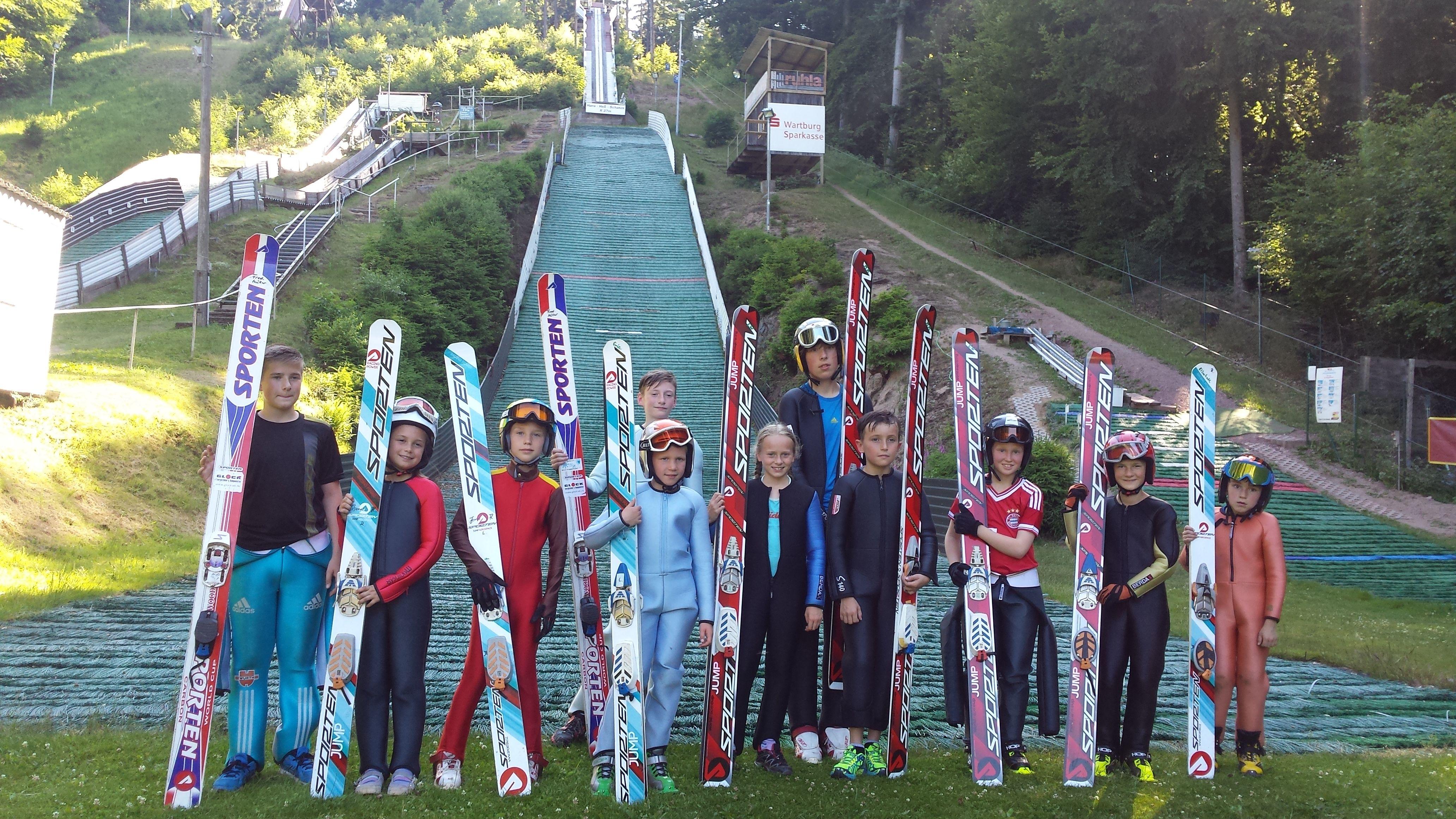 """""""SPORTEN"""" Skijumping-Team vom TSG/Wintersportclub 07 Ruhla aus Deutschland"""