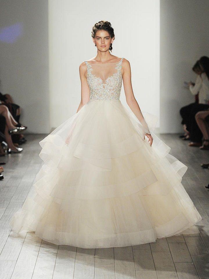 wedding dress with full skirt | itakeyou.co.uk #weddingdresses #weddingdress #lazaro #wedinggown