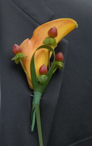 Corsages/Boutonnieres will look something like this :)