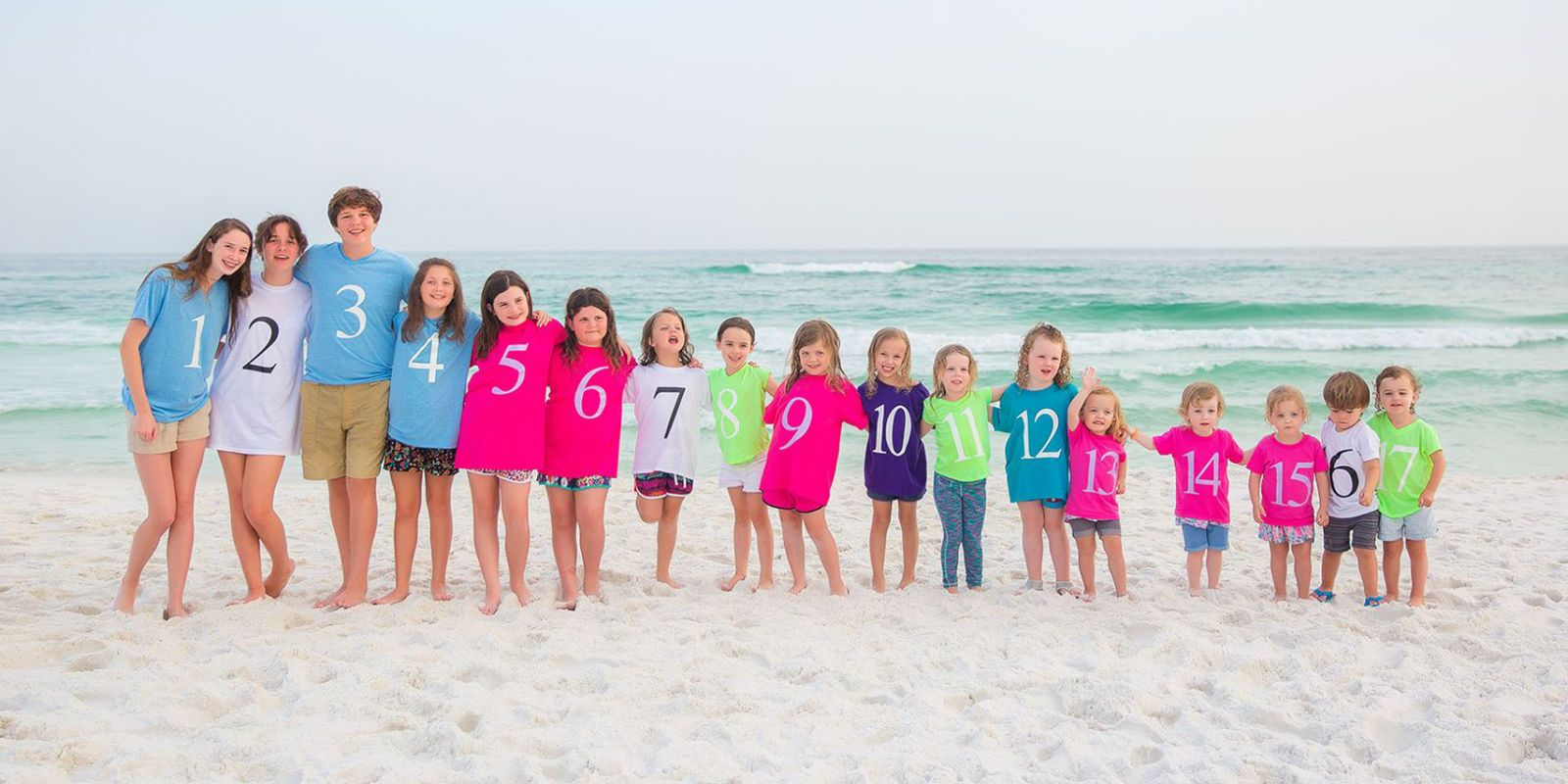 If You Have a Big Family, Youll Want to Steal This Grandkid Photo Idea