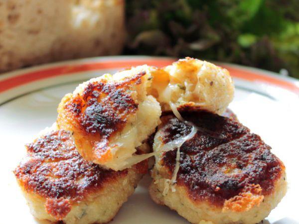 Ricetta Crocchette di pane timo e pecorino, da Contemporaneofood - Petitchef