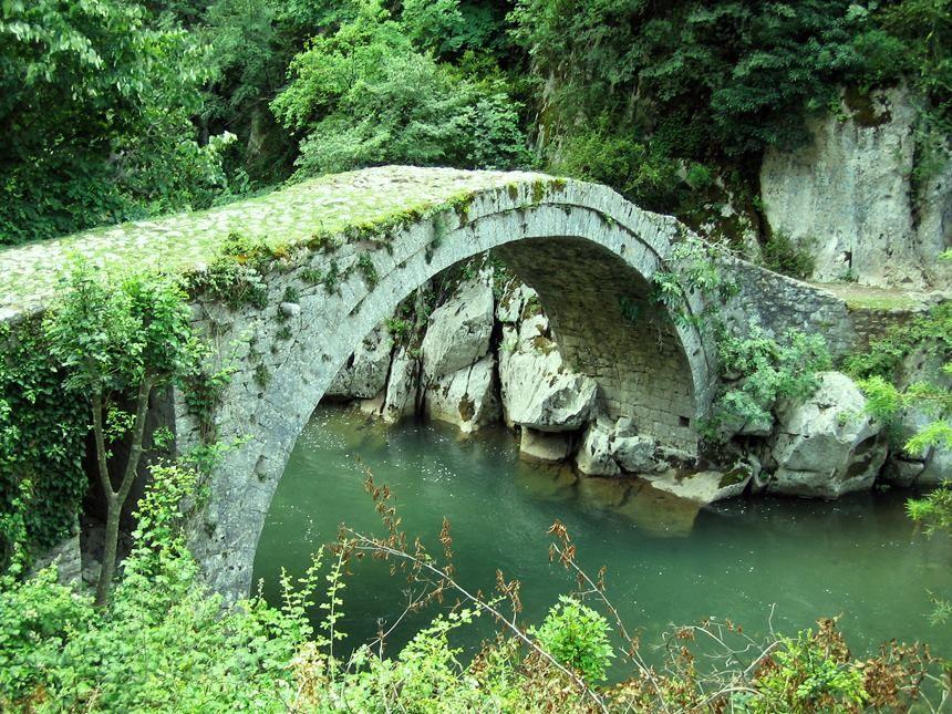 Ura e vashes - Mat   Albania travel, European travel, Natural heritage