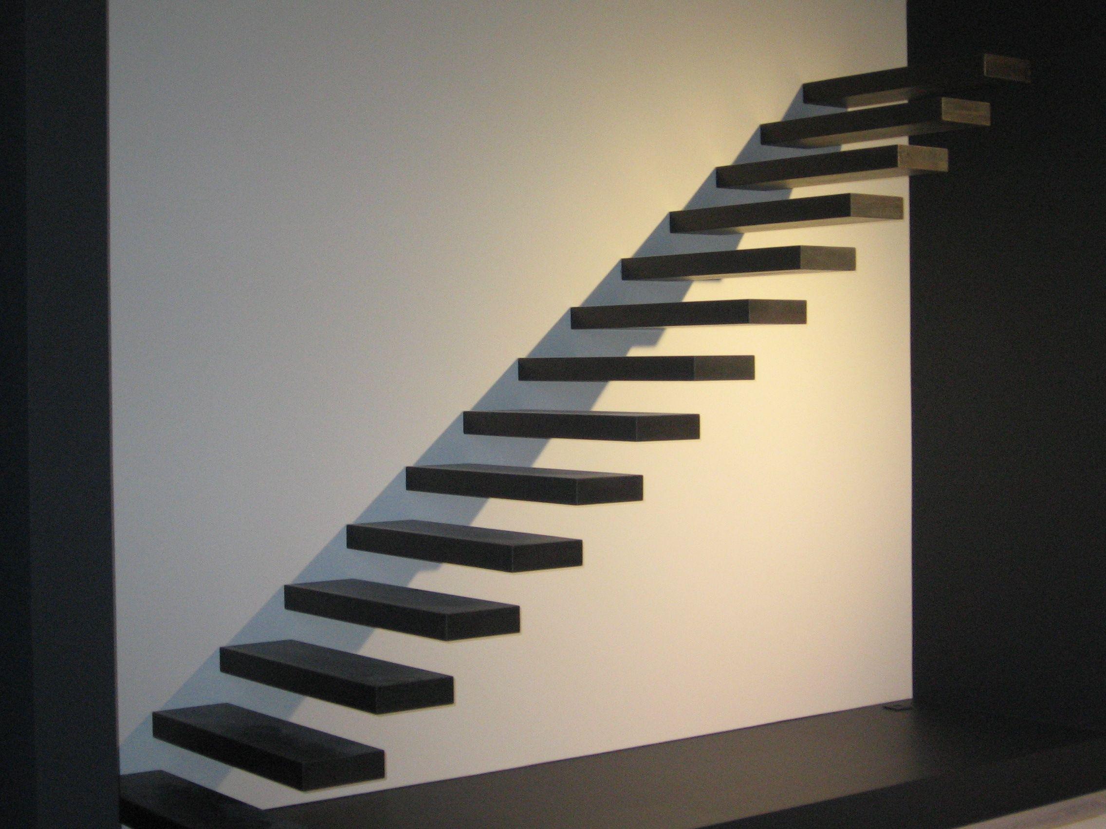 Zwevende trap met treden in wengé genico inspiration modern