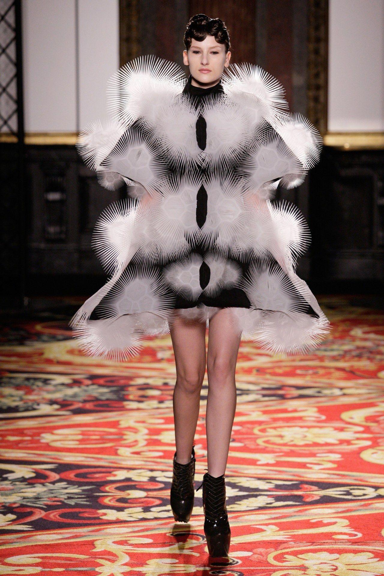Iris van Herpen Spring13 Couture - #2013 #catwalk #couture #fashion #herpen #high #iris #rtw #runway #style #van