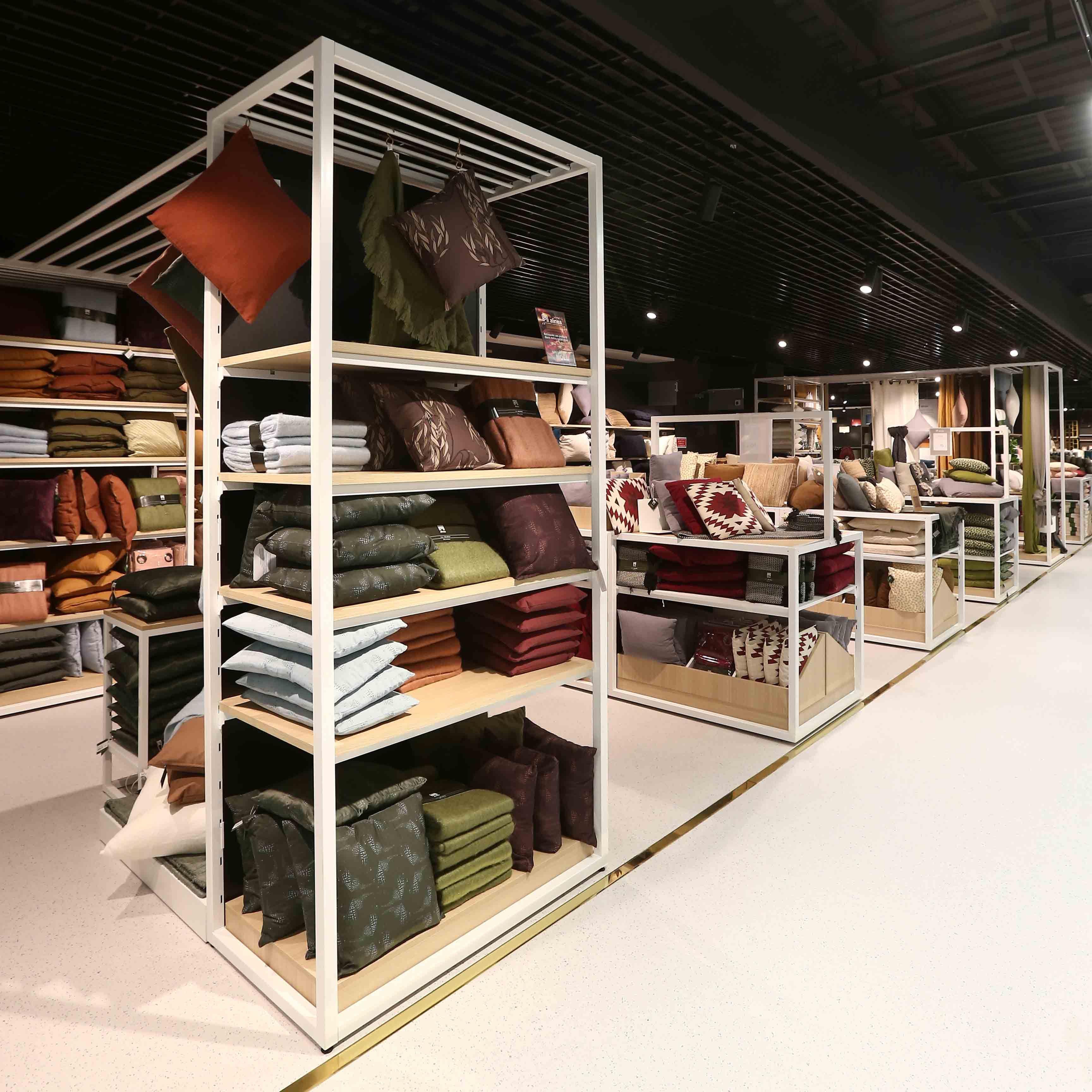 Mobilier Gondoles Alinea Visuels De Presentoirs Objet Decoration Mobilier De Salon
