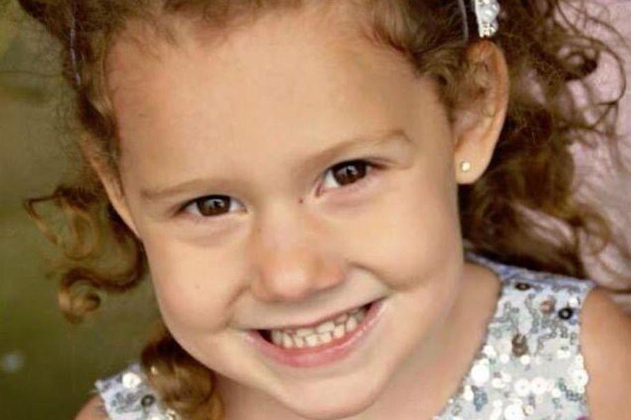 O caso da morte de uma menina de cinco anos, horas depois de uma médica ter recusado atendê-la por chegar alguns minutos atrasada à consulta, está a gerar polémica no Reino Unido.