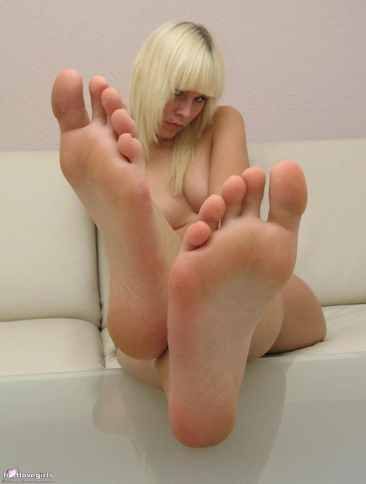 nude girls sexy feet