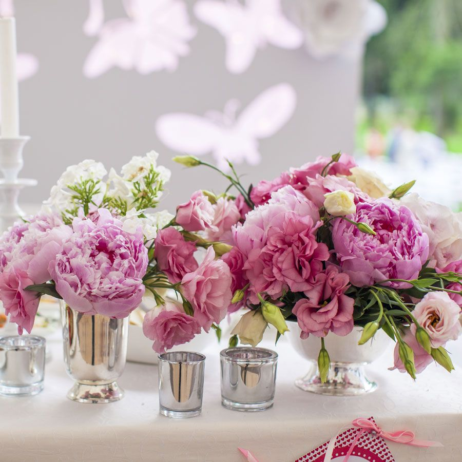 An easy centrepiece? Fresh flowers inside vintage glass jars or ...